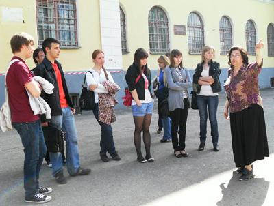 Майским днём студенты журналисты под